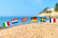 Ευρωπαϊκή παραλία με τις σημαίες Στοκ εικόνες με δικαίωμα ελεύθερης χρήσης