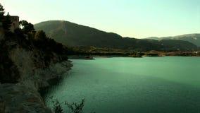 Ευρύς βλαστός του υδραγωγείου Pantano de Amadorio, Orxeta, Ισπανία απόθεμα βίντεο