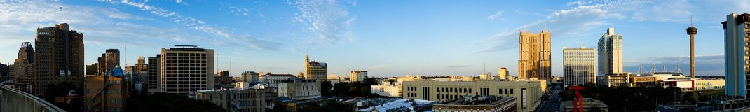 Ευρύς πανοραμικός νότος Cantral Τέξας οριζόντων του San Antonio Στοκ φωτογραφία με δικαίωμα ελεύθερης χρήσης