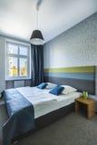Ευρύχωρη κρεβατοκάμαρα ξενοδοχείων Στοκ Εικόνες