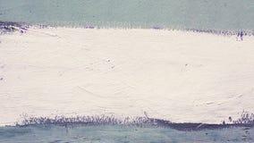 Ευρύ άσπρο λωρίδα στον μπλε τοίχο Στοκ εικόνα με δικαίωμα ελεύθερης χρήσης