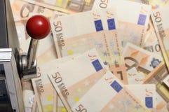 ευρώ πενήντα αυλάκωση χρημάτων μηχανών μερών Στοκ φωτογραφία με δικαίωμα ελεύθερης χρήσης