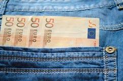 Ευρώ στην τσέπη τζιν σας. Στοκ εικόνα με δικαίωμα ελεύθερης χρήσης