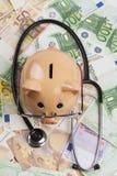 Ευρώ Examin με το στηθοσκόπιο Στοκ Εικόνες