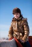 Ευτυχές άλογο οδήγησης κοριτσιών Στοκ φωτογραφία με δικαίωμα ελεύθερης χρήσης