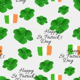 Ευτυχές άνευ ραφής σχέδιο ημέρας του ST Πάτρικ ` s με την ιρλανδική σημαία τριφυλλιού anf Στοκ Εικόνες