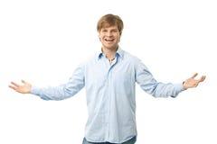 Ευτυχές άτομο με ευρύ ανοικτό όπλων Στοκ εικόνα με δικαίωμα ελεύθερης χρήσης