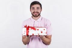 Ευτυχές άτομο με τα δώρα την ειδική ημέρα Στοκ φωτογραφία με δικαίωμα ελεύθερης χρήσης