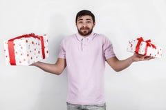 Ευτυχές άτομο με τα δώρα την ειδική ημέρα Στοκ Εικόνες