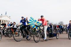 Ευτυχές άτομο σε έναν γύρο ποδηλάτων στην πλατεία Λένιν σε Gomel belatedness Στοκ εικόνα με δικαίωμα ελεύθερης χρήσης