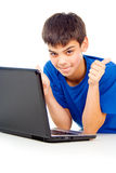 Ευτυχές αγόρι με ένα lap-top Στοκ Φωτογραφία