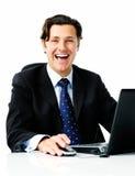 ευτυχές απομονωμένο άτομο lap-top στοκ εικόνα με δικαίωμα ελεύθερης χρήσης