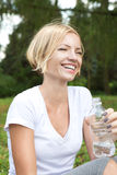 Ευτυχές γέλιο γυναικών Στοκ φωτογραφία με δικαίωμα ελεύθερης χρήσης