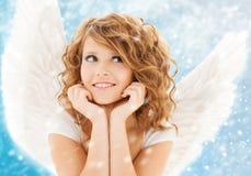 Ευτυχές εφηβικό κορίτσι αγγέλου Στοκ εικόνα με δικαίωμα ελεύθερης χρήσης