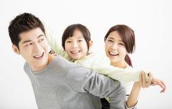 Ευτυχές ελκυστικό νέο οικογενειακό πορτρέτο Στοκ φωτογραφία με δικαίωμα ελεύθερης χρήσης