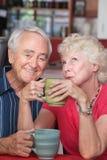 Ευτυχές ζεύγος στο καφέ στοκ φωτογραφίες με δικαίωμα ελεύθερης χρήσης