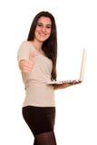Ευτυχές κορίτσι με το σημειωματάριο στοκ φωτογραφία με δικαίωμα ελεύθερης χρήσης