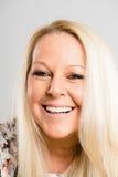 Πορτρέτου πραγματικό γκρίζο υπόβαθρο καθορισμού ανθρώπων υψηλό Στοκ εικόνες με δικαίωμα ελεύθερης χρήσης