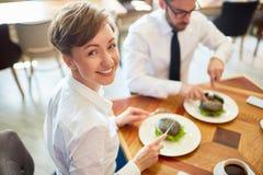 ευτυχές μεσημεριανό γεύμα Στοκ Φωτογραφίες