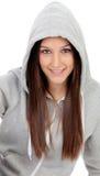 Ευτυχές με κουκούλα κορίτσι με την γκρίζα μπλούζα Στοκ φωτογραφίες με δικαίωμα ελεύθερης χρήσης