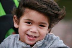 ευτυχές μικρό παιδί αγορ&iota Στοκ Φωτογραφίες