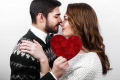 Ευτυχές μοντέρνο ζεύγος ερωτευμένο Στοκ Φωτογραφίες