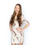 Ευτυχές νέο κορίτσι γυναικών ή εφήβων στο φανταχτερό φόρεμα Στοκ Φωτογραφίες