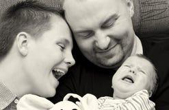 Ευτυχές οικογενειακό πορτρέτο   Στοκ εικόνα με δικαίωμα ελεύθερης χρήσης