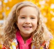 ευτυχές πάρκο κοριτσιών φ Στοκ Εικόνες