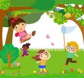 ευτυχές παιχνίδι παιδιών Στοκ εικόνα με δικαίωμα ελεύθερης χρήσης