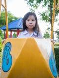Ευτυχές παιδί, ασιατικό παιδί μωρών στη σχολική στολή Στοκ Εικόνα