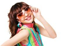 ευτυχές πορτρέτο brunette όμορφ&omicr Στοκ Εικόνα