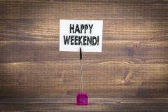 ευτυχές Σαββατοκύριακ&om υπόβαθρο ταξιδιού ελεύθερου χρόνου και διακοπών Στοκ Φωτογραφία