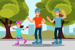 Ευτυχές σαλάχι κυλίνδρων οικογενειακής οδήγησης στο πάρκο δραστηριότητα υπαίθρια Δέντρα, οι Μπους και κτήρια πόλεων στο υπόβαθρο  Στοκ Εικόνα