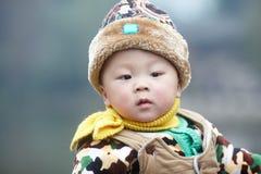 ευτυχές χιόνι μωρών Στοκ φωτογραφία με δικαίωμα ελεύθερης χρήσης