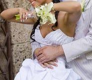 ευτυχές inarm fiance νυφών Στοκ φωτογραφία με δικαίωμα ελεύθερης χρήσης