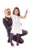 Ευτυχές mom με το χορεύοντας κορίτσι στοκ εικόνα με δικαίωμα ελεύθερης χρήσης