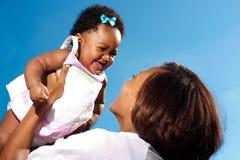 ευτυχές mom νέο στοκ φωτογραφία με δικαίωμα ελεύθερης χρήσης