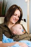 ευτυχές mom στοκ φωτογραφία με δικαίωμα ελεύθερης χρήσης