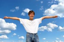 Ευτυχής έφηβος υπαίθριος Στοκ φωτογραφία με δικαίωμα ελεύθερης χρήσης