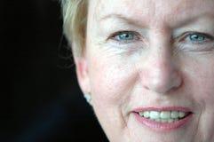 ευτυχής ανώτερη γυναίκα Στοκ εικόνα με δικαίωμα ελεύθερης χρήσης