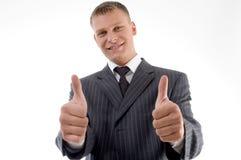 Ευτυχής ανώτερος υπάλληλος με τους αντίχειρες επάνω Στοκ εικόνες με δικαίωμα ελεύθερης χρήσης