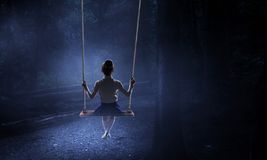 Ευτυχής απρόσεκτη παιδική ηλικία Μικτά μέσα στοκ εικόνες