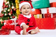 Ευτυχής αστείος χαμόγελου λίγος Άγιος Βασίλης Στοκ Φωτογραφίες