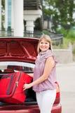 ευτυχής γυναίκα αποσκ&epsil Στοκ Φωτογραφία