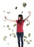 Ευτυχής γυναίκα που ρίχνει το έγγραφο Bill αμερικανικών δολαρίων επάνω στοκ φωτογραφία με δικαίωμα ελεύθερης χρήσης