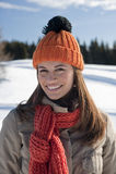 Ευτυχής γυναίκα στο χειμώνα Στοκ Φωτογραφίες