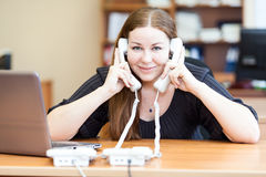 Εκτελεστική επιχειρησιακή γυναίκα που καλεί στην αρχή Στοκ Εικόνα