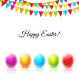 Ευτυχής ευχετήρια κάρτα Πάσχας με τα ζωηρόχρωμες αυγά και τις σημαίες γυαλιού Στοκ εικόνα με δικαίωμα ελεύθερης χρήσης