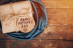 Ευτυχής ημέρα πατέρων ` s Συγχαρητήρια στοκ εικόνες